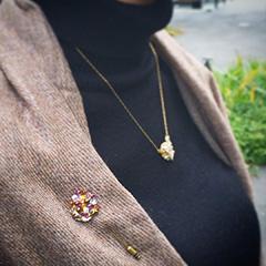 ブローチ(紫苑)平置き